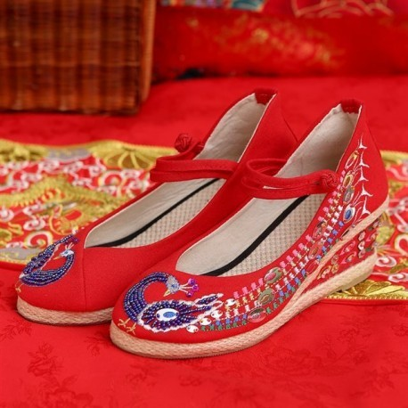 New Arrival Chinese Traditional Flower Embroidery Wedding Wedges
