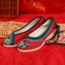 Chinese Traditional Flower Embroidery Wedding Wedges