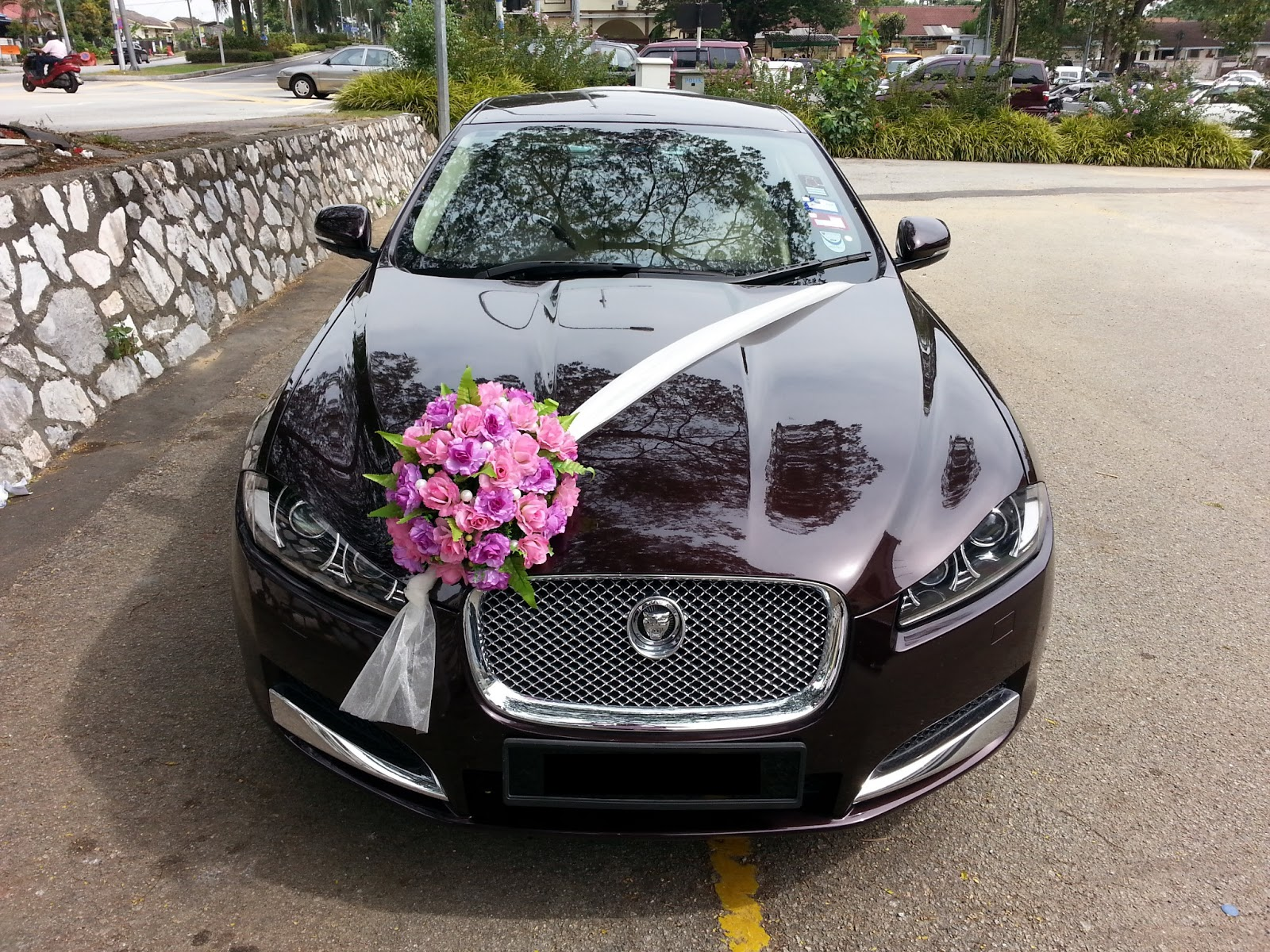 Jaguar Xf Flower Decorations Bridal Car Car
