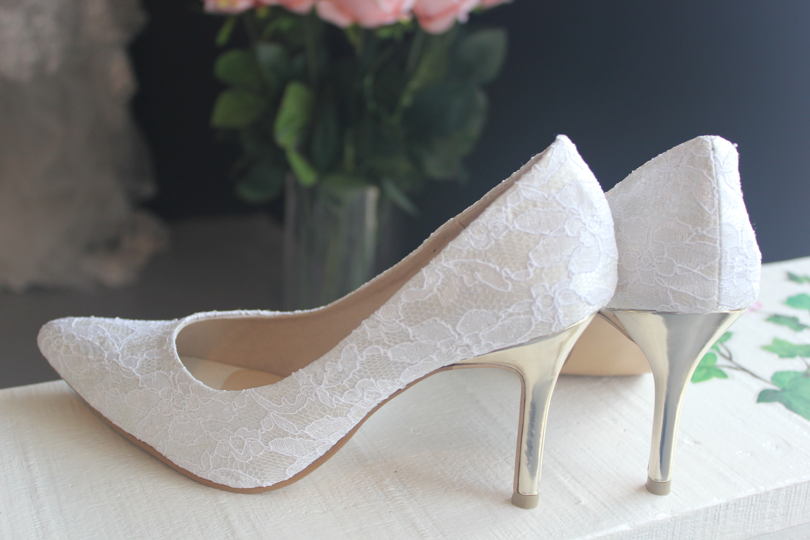 3 1/2 Inches Pointy Toe Lace Bridal Shoes with Gold Heels. Shoes