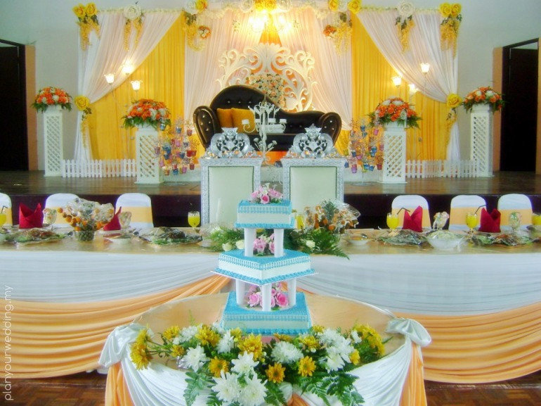 Table Setting With Decoration Catering