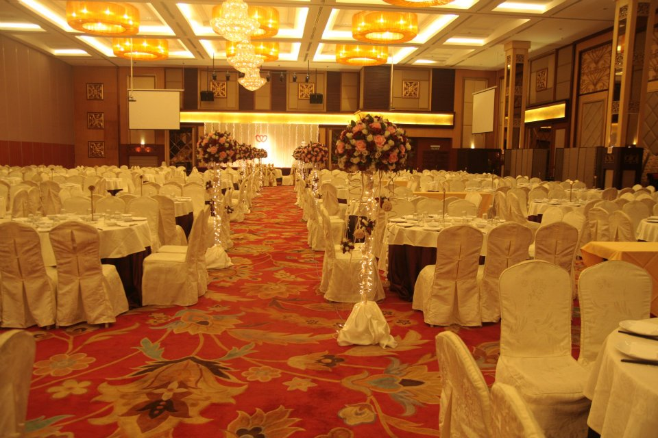 Chinese Wedding Dinner Setup
