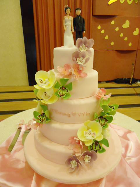 Orchids in Pastel 5 Tier Cake. Cakes