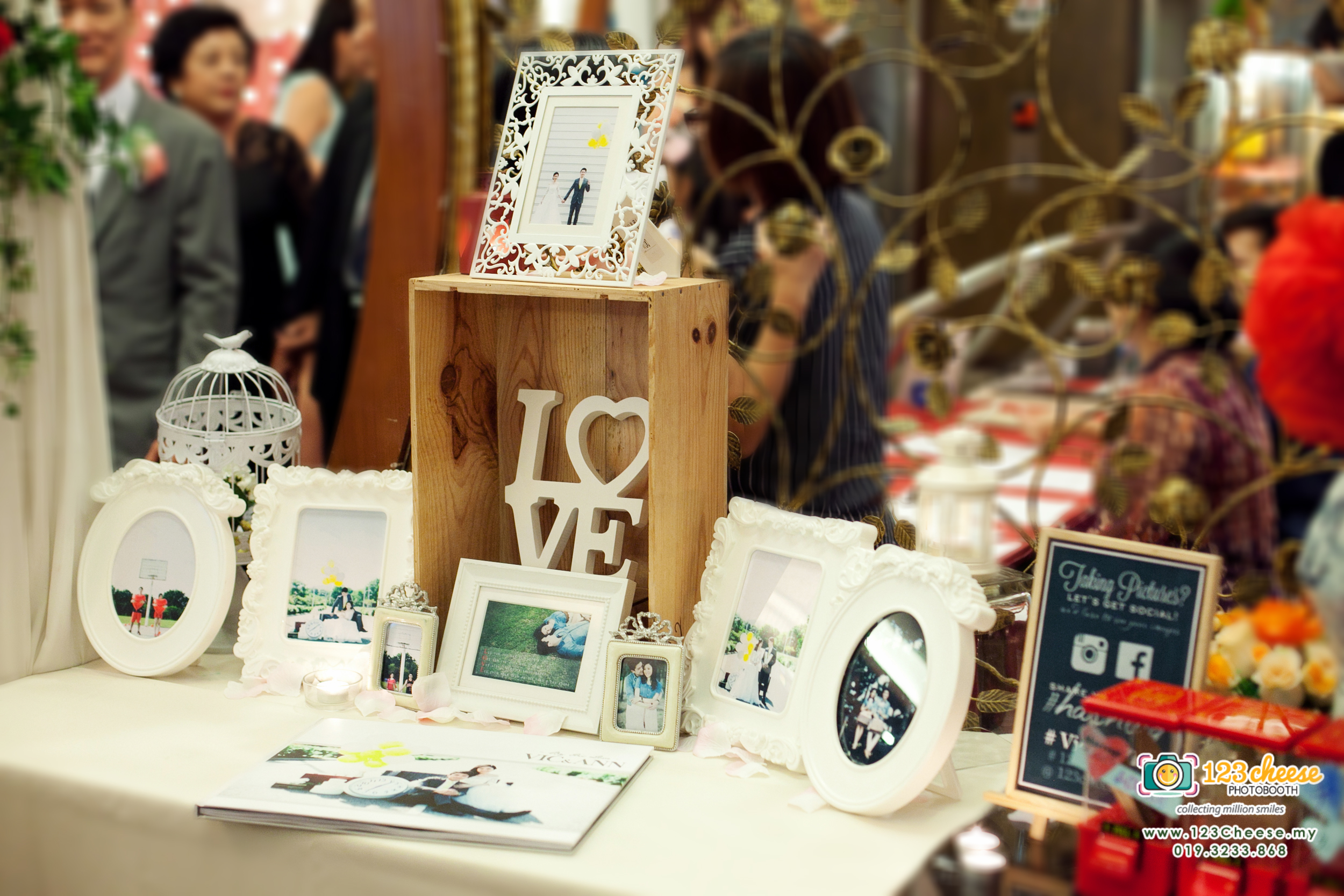 FREE Album Table Decoration For 123Cheese Photo Booth Rental (T&C)