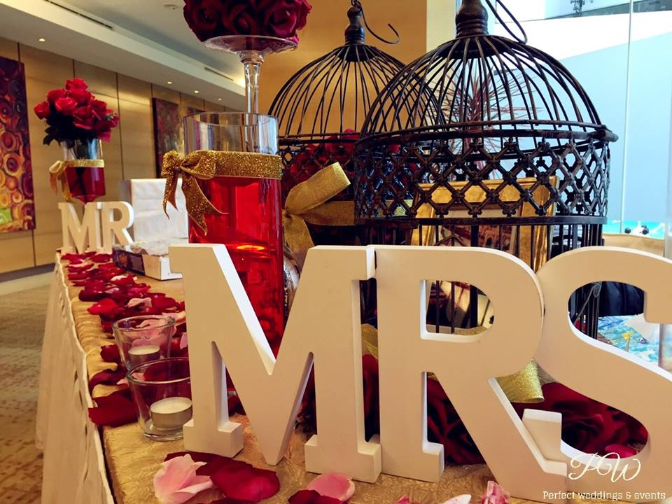 Red and gold wedding theme double tree hilton hotel kl decoration red and gold wedding theme double tree hilton hotel kl junglespirit Choice Image
